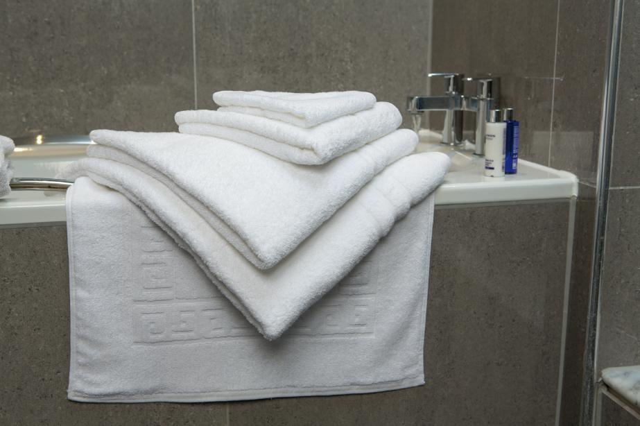 Horsham Laundry Towels Towel Hire Hotel Towels Towel Laundering